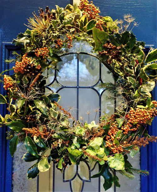 Christmas Wreath on door 500