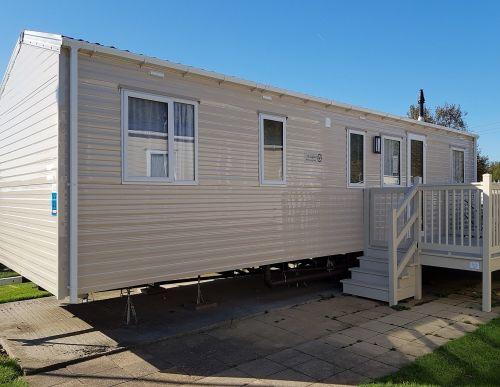 4 Bedroom 8 to 10 berth caravan butlins minehead