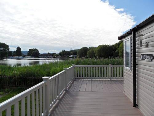 lakeside caravan holidays Butlins Minehead