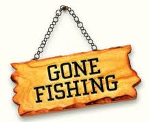 *******HOLIDAY GONE FISHING <*{{{><