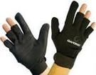 Gardner casting/spodding glove