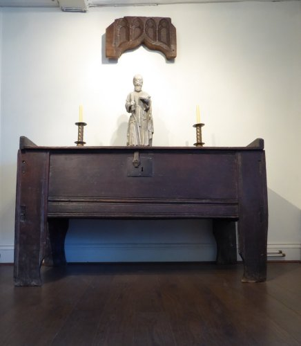A Rare 16th Century Welsh Tudor Oak Clamp Fronted Ark From The Abbey House