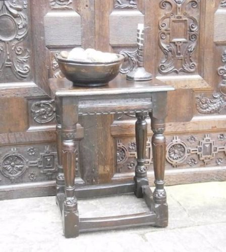 Elizabethan Oak joint Stool With Fluted Legs