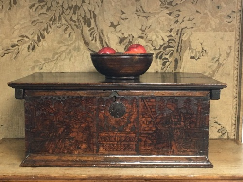 A 16th Century Italian Casket In Cedar Wood With Pyrography To The Front An
