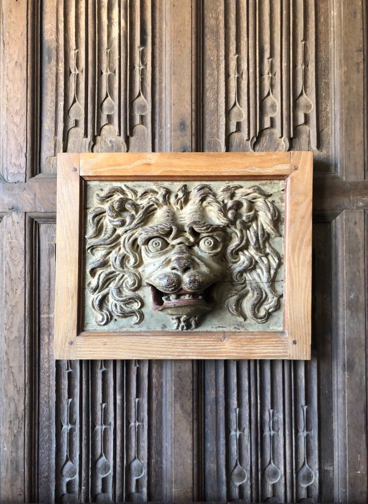 A Wonderful 17th Century Carved Oak Panel Depicting A Ferocious Lions Head