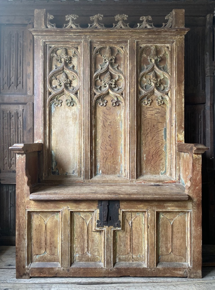 A Magnificent And Very Rare Late 15th Century French Gothic Oak Box Settle
