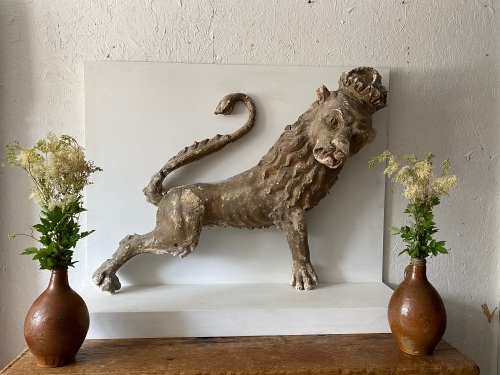 A Decorative 18th century  Armorial Lion