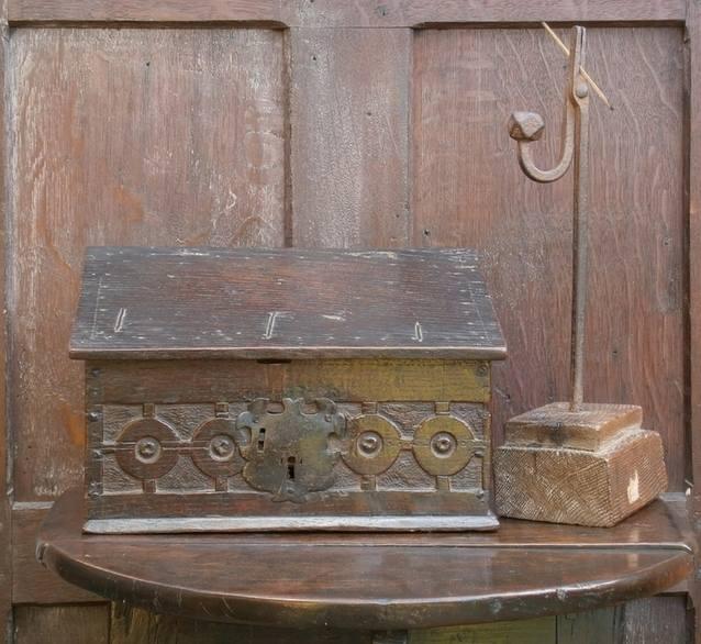 small 17th century oak slope box 1