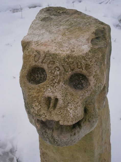 stone skull 4