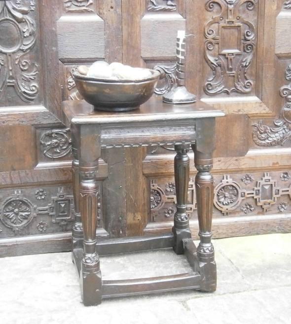 Elizabethan joint stool