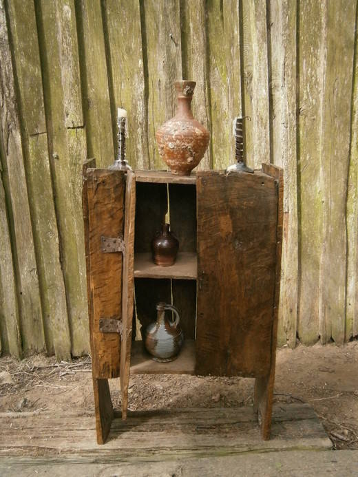 Primitive food hutch 3