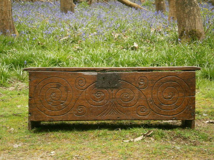 Swirly oak board chest bluebells 2