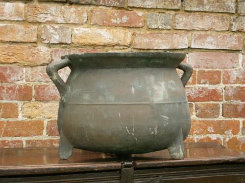 A 17th Century Bronze Cauldron Of Large Size John Kemp Ticehurst East Susse
