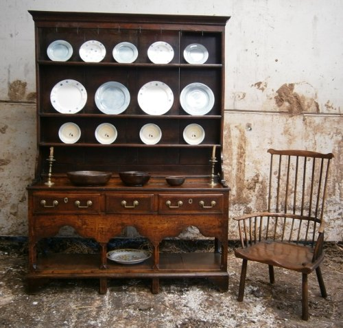 18th Century Oak Welsh Dresser From The Towy Valley Camarthenshire.