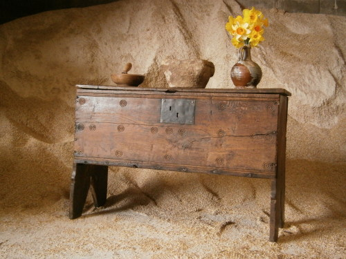 An Early 17th Century Welsh Oak Boarded Chest With A Wonderful Dry Surface