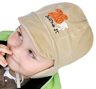 Peaked toddler hat size 50cm (approx 2-3 yrs)