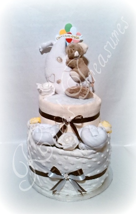 nappy cake in unisex colours Ellephant toy