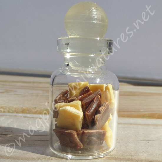 Sweet Jar - Heart Chocolates
