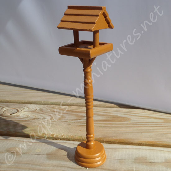 Wood Bird Table
