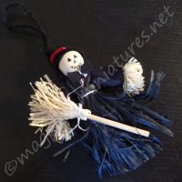 Spooky Witch Scarecrow - Assorted colours