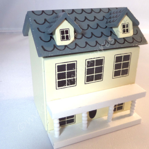 Deluxe Dolls house toy