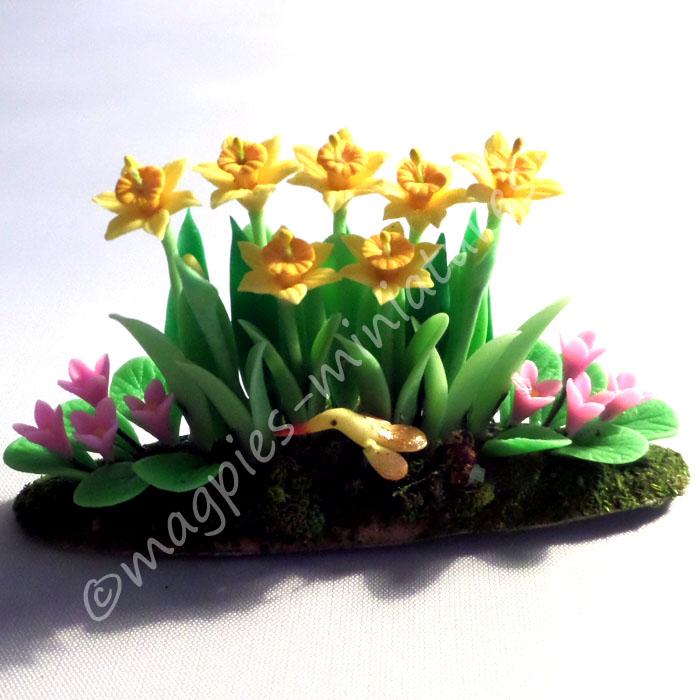 Daffodil Garden - Clay