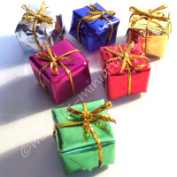 Set of 6 Christmas presents 2cm (Medium)