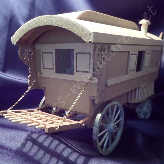 Miniature Gypsy Caravan - Ready Built! 24th scale