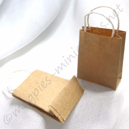 Set of 2 brown paper carrier bags