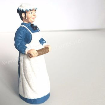 Doll - Lady - Cook with Rolling Pin  - 1:24 24th Scale