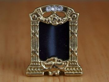 Frame - Photograph Frame - Brass Coloured
