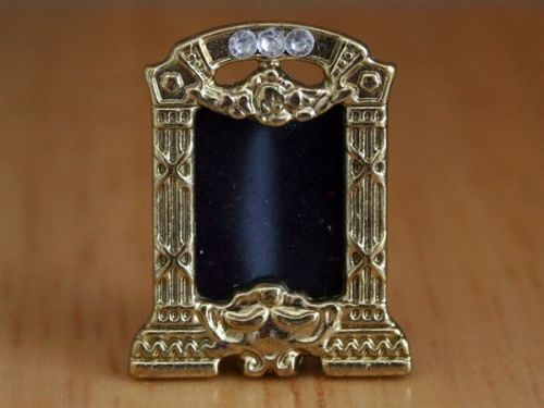 Frame - Photograph Frame - Brass Coloured