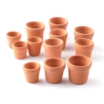 12 Terracotta plant pots
