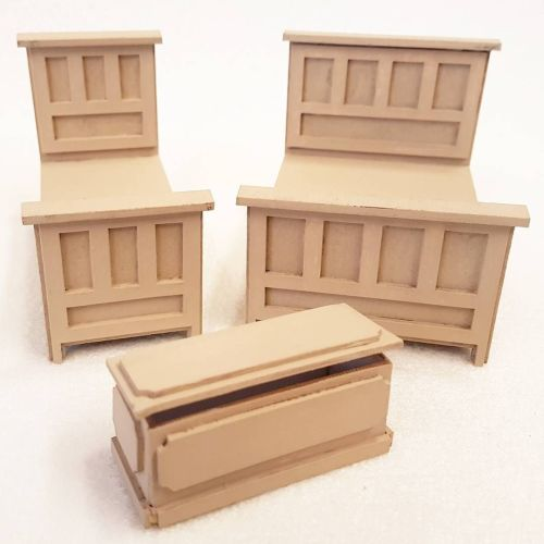 24th Scale Tudor style Bedroom Set 1:24