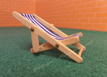 Light wood 24th Scale Deck Chair - Blue