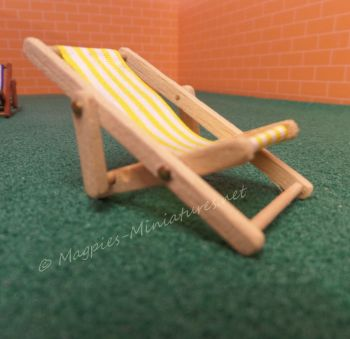 Light wood 24th Scale Deck Chair - Yellow