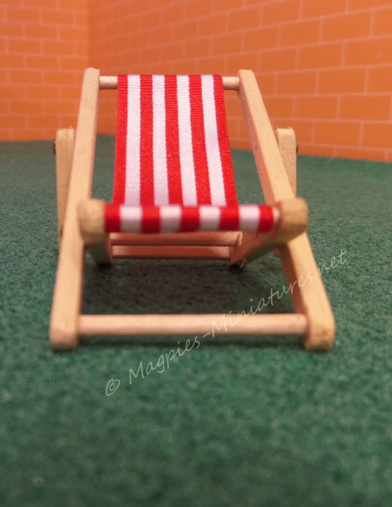24th deck chair light red2