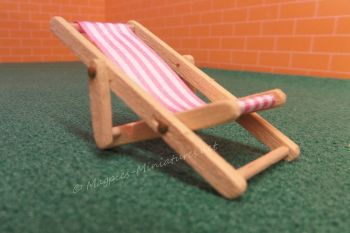 Light wood 24th Scale Deck Chair - Pink