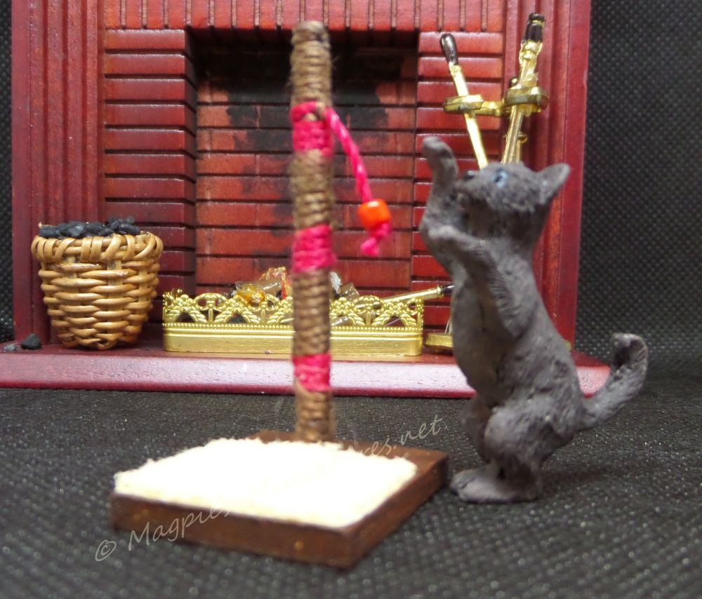 CAT POST 1