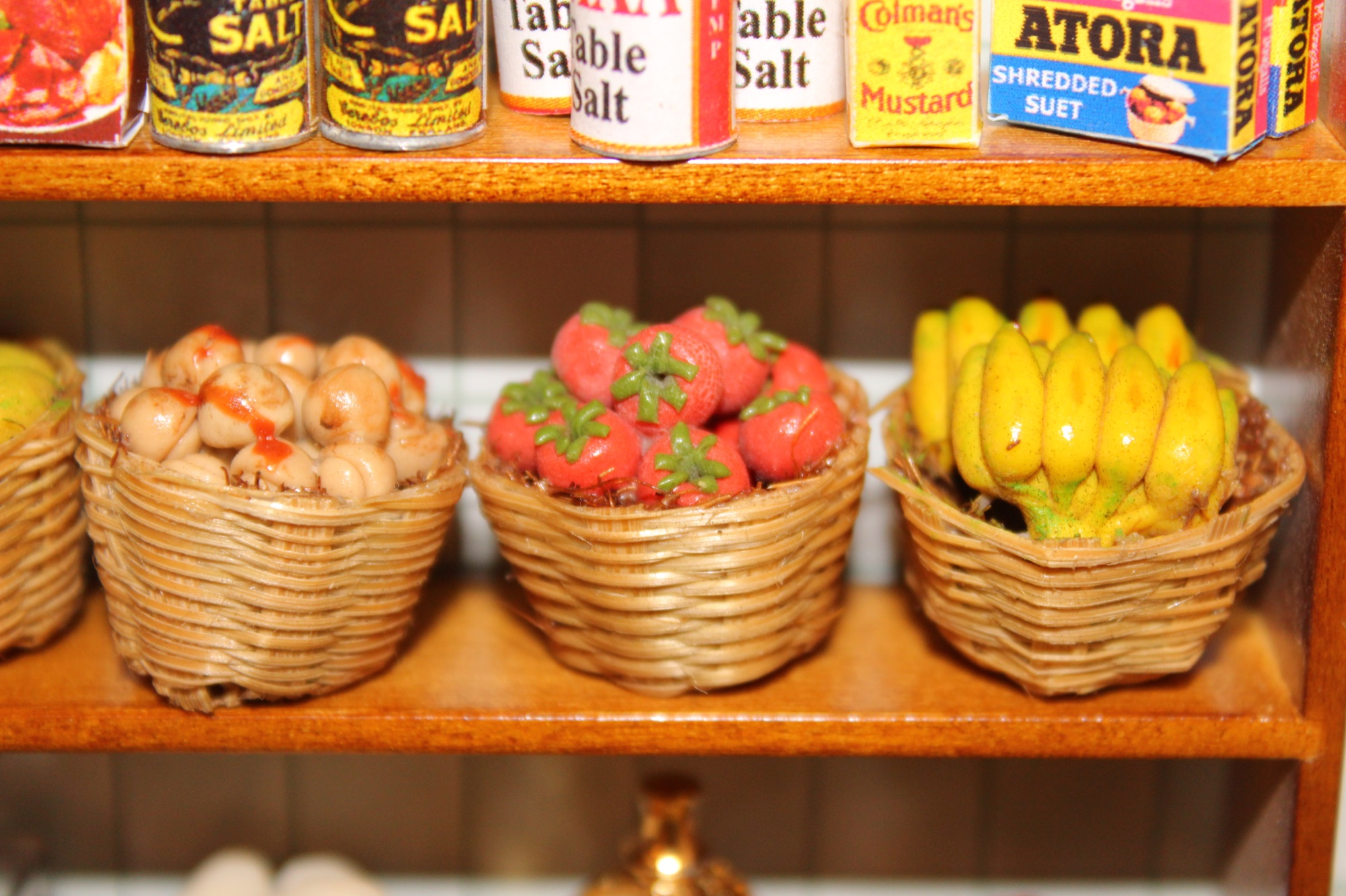 12th Scale Miniatures Greengrocers Veg baskets