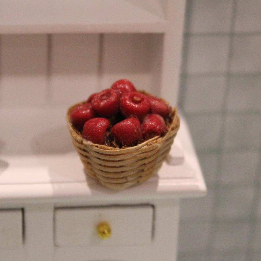 Fruit and Vegetable Baskets - Apples