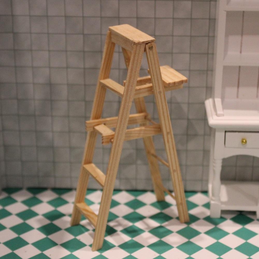 Wooden Stepladder - 5 Steps