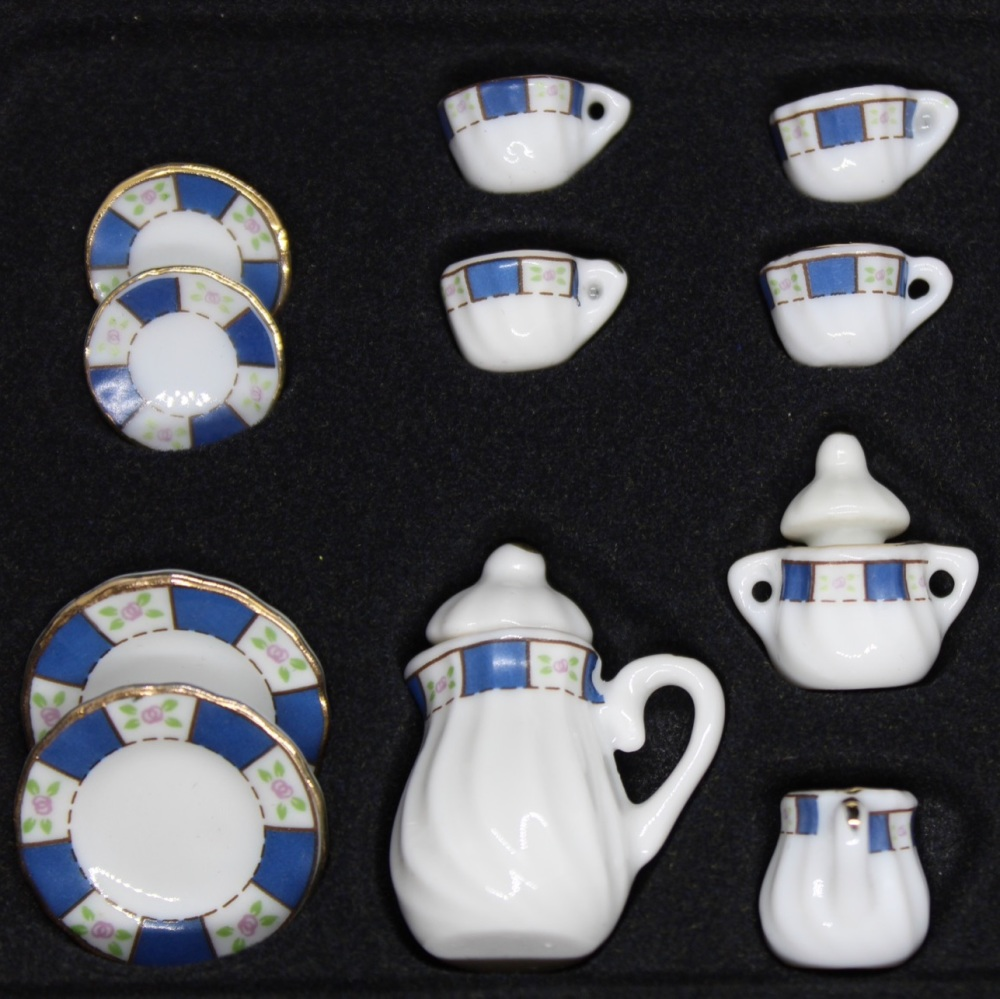 Coffee Set - Blue Pattern