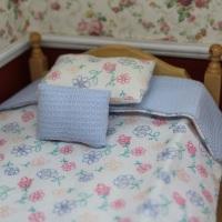 Reversible  Blue Bedding Set - Single