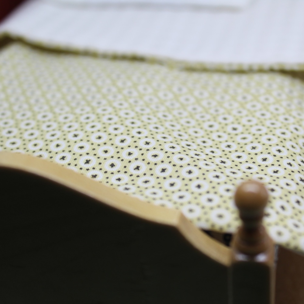 Reversible Yellow Bedding Set - Single