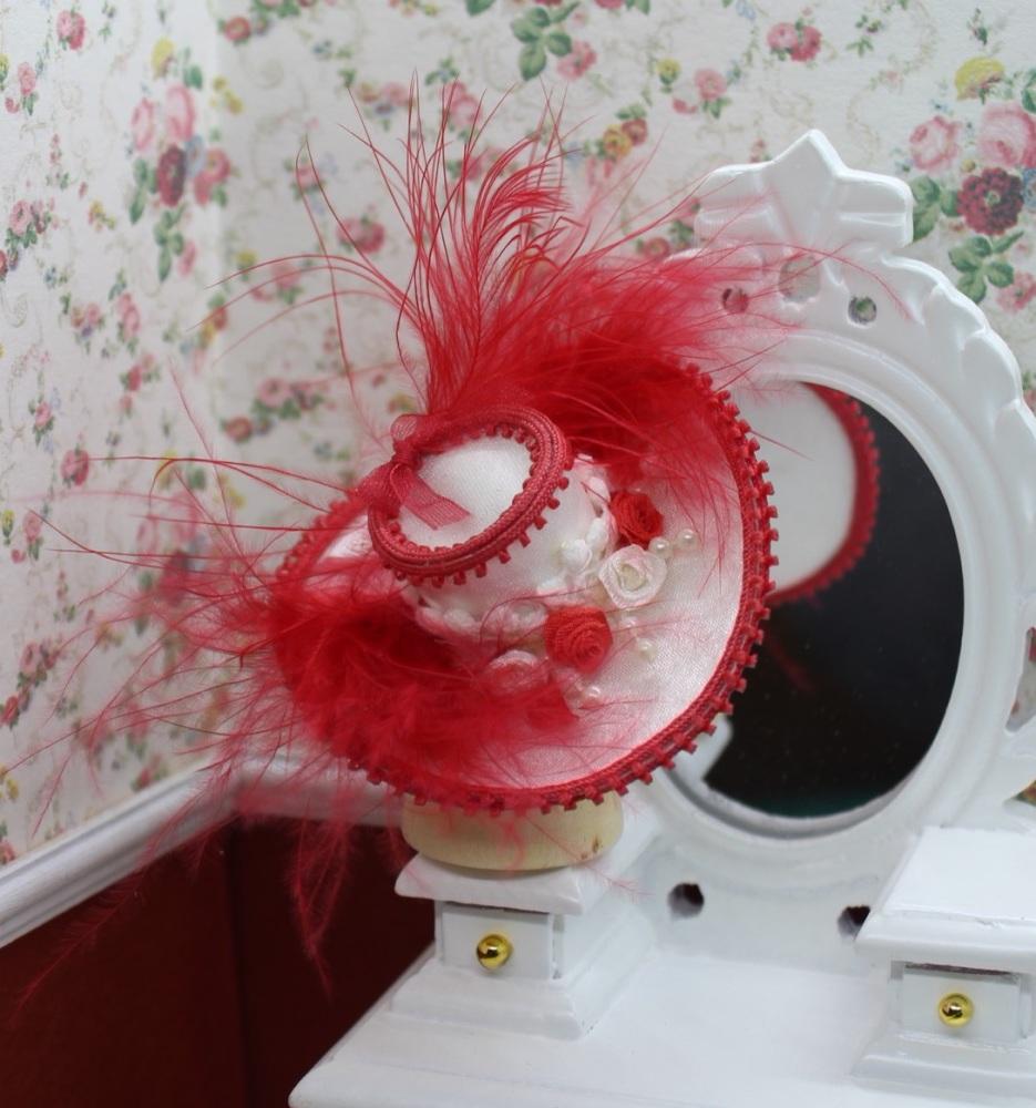 Red & White Ladies Hat