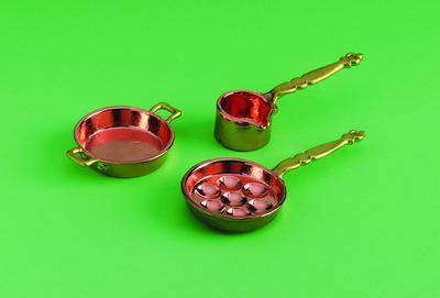 Copper and Brass coloured Pans