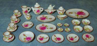 34pc Pink Rose Dinner Set