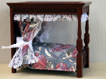 Four Poster Bed - 1:24 24th Scale