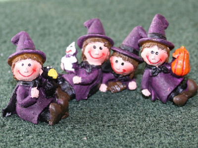 Set Of 4 Cute Witches